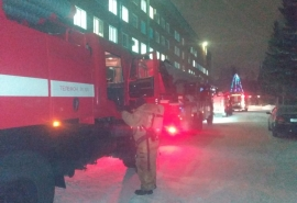 На окраине Омска загорелась больница: люди срочно эвакуированы