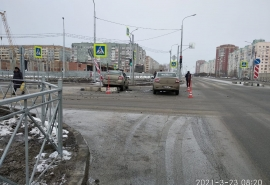 Асфальт омской дороги за миллиард рублей уже лопнул