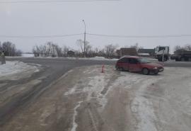 Под Омском в аварии пострадали женщина и ребенок